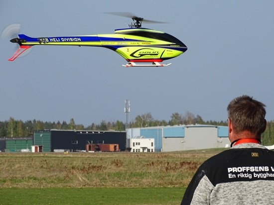 Thomas med helikopter 2